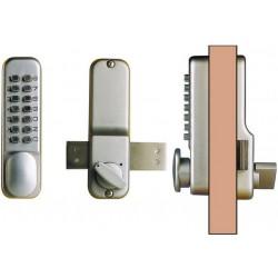 Ouverture de porte avec serrure à code digitale