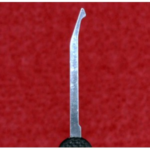 Pick palpeur Peterson, Demi diamant courbé, acier Gov1 / série 0.64mm (Hooked Diamond - Rubber Gov Steel)